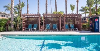 迪克西好萊塢酒店 - 洛杉磯 - 游泳池