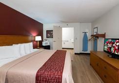 紅屋頂酒店- 錫達拉皮茲 - Cedar Rapids - 臥室