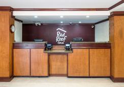 紅屋頂酒店- 錫達拉皮茲 - Cedar Rapids - 大廳