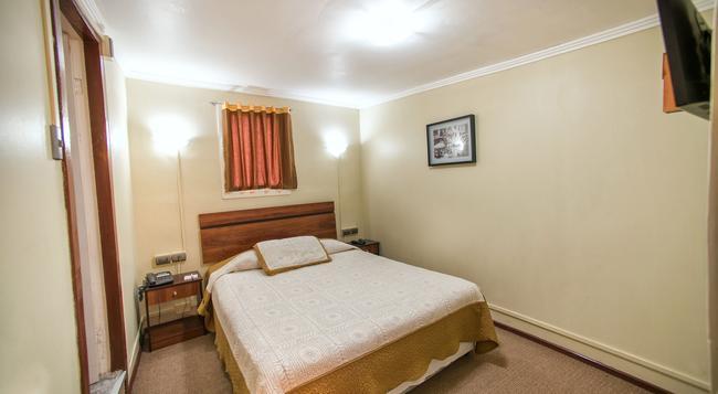 Hotel Sahara Inn - 聖地亞哥 - 臥室