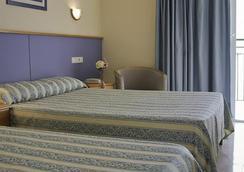 Hotel Playasol Maritimo - 伊維薩鎮 - 臥室