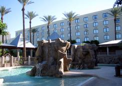 Wyndham Garden Phoenix Midtown - 鳳凰城 - 游泳池