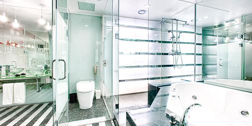 梨泰院皇宮精品飯店 - 首爾 - 浴室