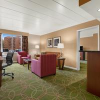 Days Inn Penn State Suite