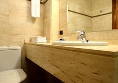 阿里亞祖旅館 - 潘普洛納 - 浴室