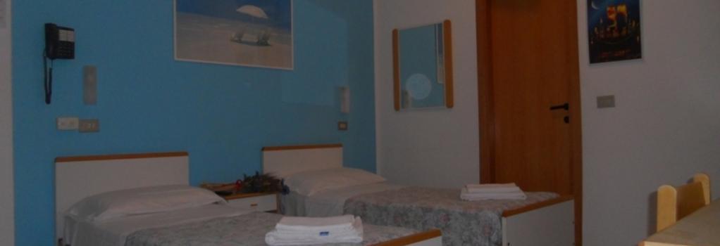 Hotel Pigalle - 里米尼 - 臥室