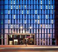 柏林ONE80°旅館