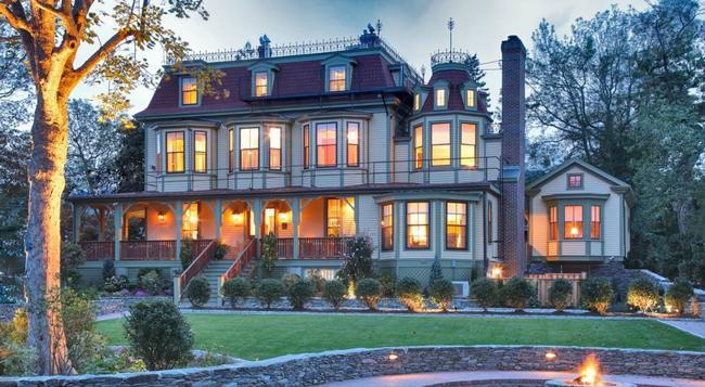 Cliffside Inn - 紐波特 - 建築