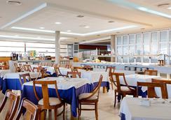 奇姆貝爾酒店 - 貝尼多姆 - 酒吧