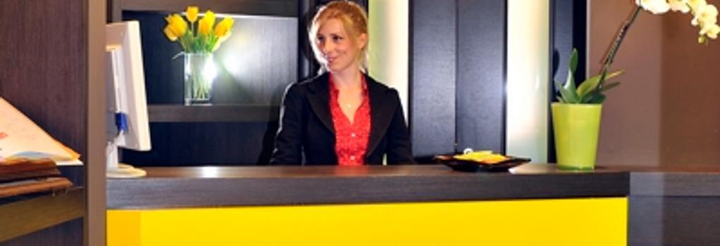 Colors Hotel - 羅馬 - 櫃檯