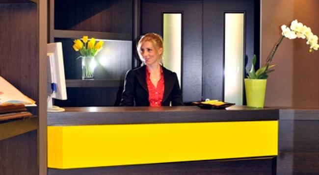 Hotel Colors - 羅馬 - 櫃檯