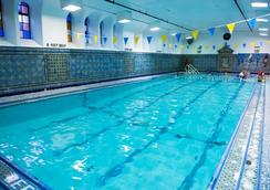 西區青年國際旅館 - 紐約 - 游泳池