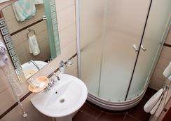 Tonika Hotel - 薩馬拉 - 浴室