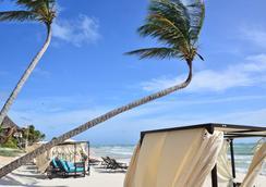 珊瑚圖盧姆酒店 - 圖盧姆 - 海灘