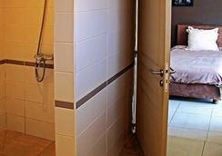 拉里保迪耶里餐廳酒店 - 塔那那利佛 - 浴室