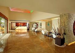 弗洛拉機場酒店 - 科欽 - 大廳
