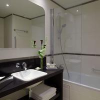 Citadines Tour Eiffel Paris Bathroom