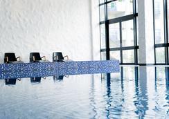 史基浦A4凡德瓦克酒店 - Hoofddorp - 游泳池