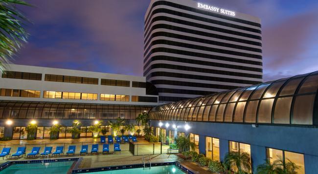 Embassy Suites by Hilton West Palm Beach Central - West Palm Beach - 建築