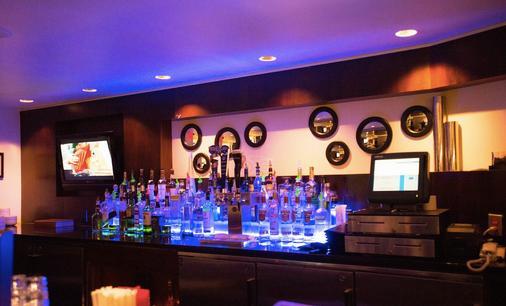 紐約大都會希爾頓逸林酒店 - 紐約 - 酒吧