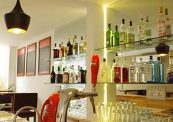 薩拉精品旅館 - 金邊 - 酒吧