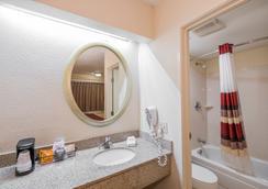 塔拉哈西大學紅屋頂飯店 - 塔拉哈西 - 浴室