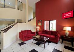 彭薩科拉展覽中心紅屋頂汽車旅館 - 彭薩科拉 - 大廳